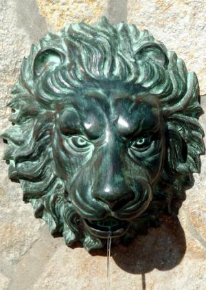 Florentine Lion Head Spouting Wall Plaque Solid Bronze Garden Sculpture from Design Toscano